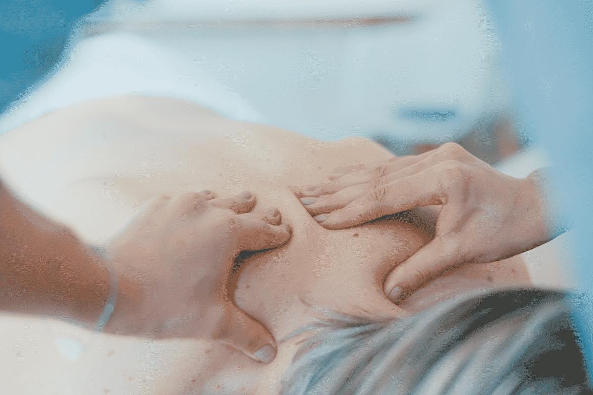 Entspannende Schultermassage